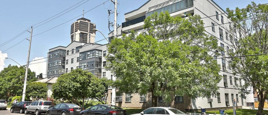 175 Hunter Condos at 175 Hunter Street East in downtown Hamilton