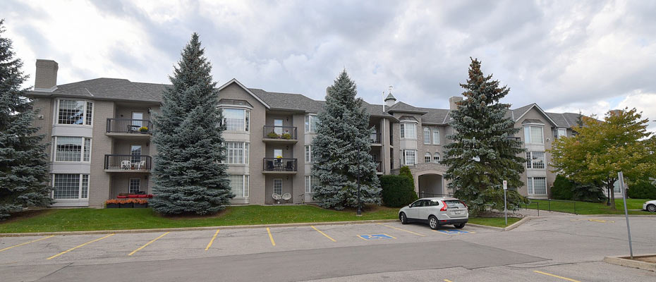 Ancaster Gardens at 970-980-990 Golf Links Road, Ancaster